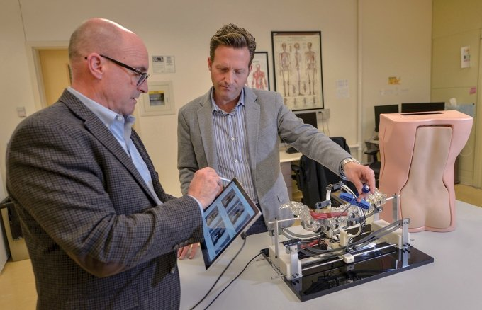 aMDI Works with Holland Firm to Develop a Spine Surgical Training Model